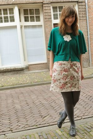 green H&M cardigan - beige thrifted skirt - gray van haren shoes - beige selfmad