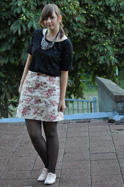 black Monki shirt - pink thrifted skirt - pink Primark shoes - black H&M tights