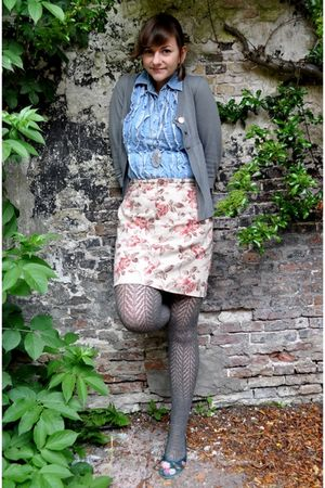 beige thrifted skirt - blue thrifted blouse - gray New Yorker cardigan - gray H&