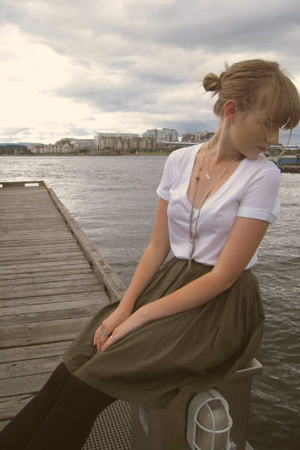 vintage skirt - Gap t-shirt - DIY necklace - Tiffany & Co necklace - Wolford tig