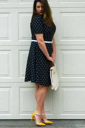 eggshell vintage bag - navy Spruce and Sage dress - yellow Sole Society heels