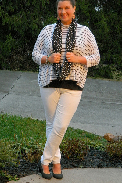 white Old Navy jeans - black Etsy scarf - gray Payless wedges
