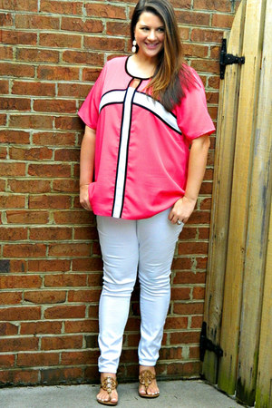 white Old Navy jeans - camel tory burch sandals - hot pink Gwynnie Bee top