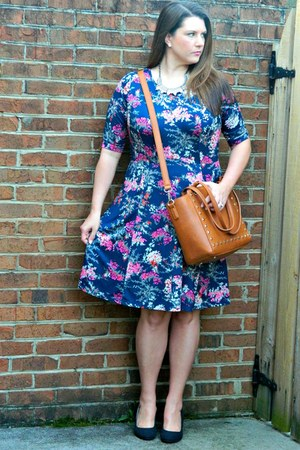 tawny Nordstrom bag - Gwynnie Bee dress - charcoal gray Payless wedges
