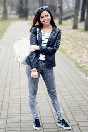 black Calliope jacket - gray Pull and Bear jeans - white Primark bag