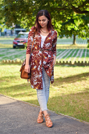 brick red H&M blouse - sky blue Forever 21 jeans - dark brown Stradivarius bag