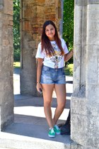 Stradivarius shorts - Choies t-shirt - Vans sneakers