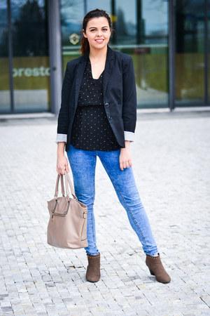black Stradivarius blazer - camel Shana boots - blue pull&bear jeans