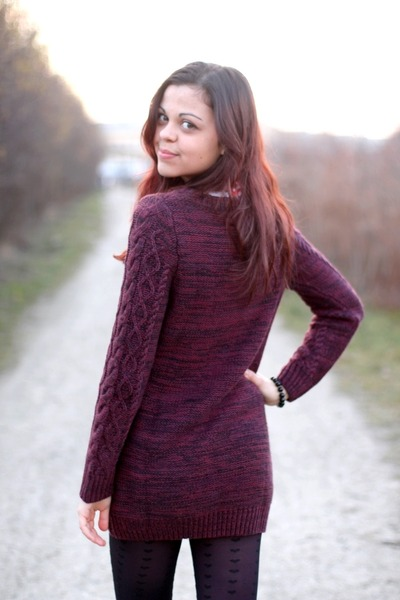 maroon H&amp;M sweater - black Primark tights