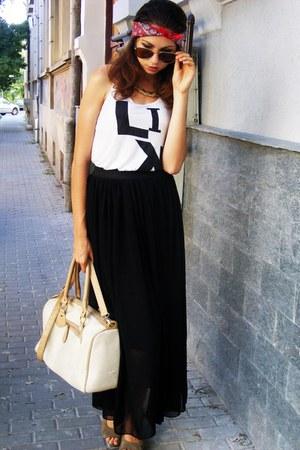 neutral bag - black dress - bronze sunglasses - off white top
