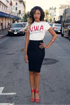 black pencil Bebe skirt - white nwa Urban Outfitters t-shirt