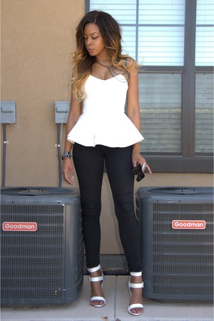 black skinny Topshop jeans - black cateye Aldo sunglasses