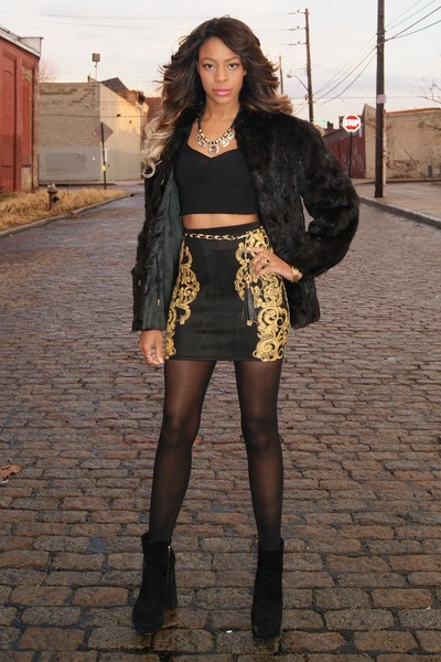 gold collar Forever 21 necklace - black fur vintage coat