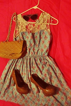 light blue floral dress - camel bag - heather gray sunglasses - brown pumps