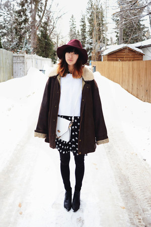 white good koop bag - black pointed-toe Choies boots - black Sheinside dress