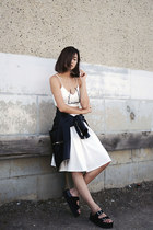 white dRa skirt - black Jeffrey Campbell sandals - gold Maria Black accessories