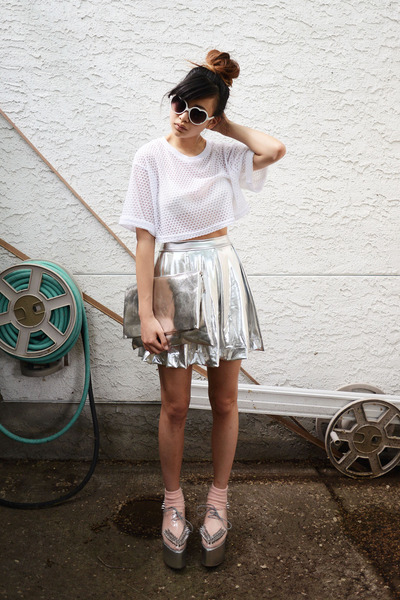 silver silver 90s Lullaby skirt - white cropped style moca shirt