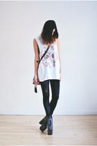 white floral florette paquerette top - black velvet romwe leggings