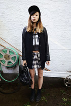 black Chicwish bag - black mesh Sheinside t-shirt