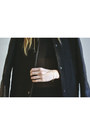 Black-velvet-romwe-leggings-black-netted-shoppalu-vest
