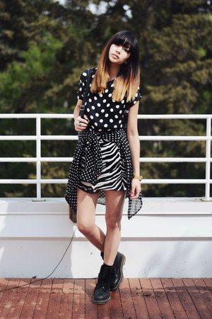 black polka-dot beginning boutique dress - black Chicwish bag