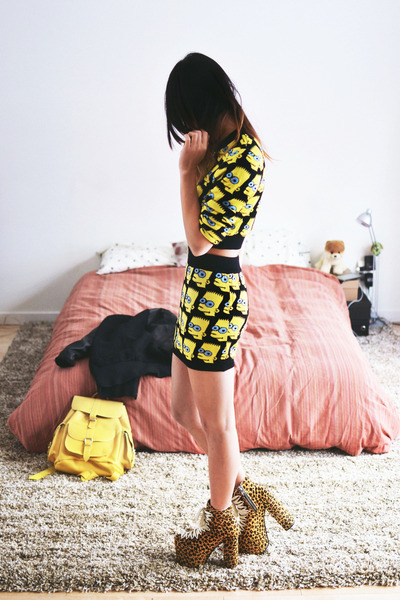 black Choies top - yellow Grafea bag