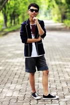 navy blazer - heather gray jeans - black sneakers - white t-shirt