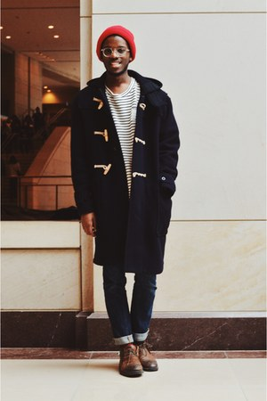 red American Eagle hat - florsheim boots - monty duffle Gloverall coat