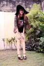 Black-floppy-hat-brown-leopard-print-blazer-black-shirt-black-shorts