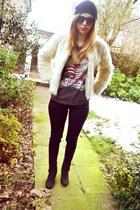 Topshop jeans - next boots - Seashells vintage coat - H&M hat - Topshop t-shirt