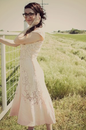 lace vintage dress - lulus heels - Warby Parker glasses