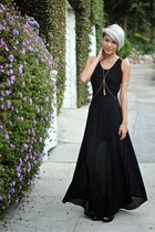 black dress - gold accessories - black heels