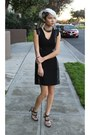 Black-h-m-dress-navy-zara-heels-silver-collar-33-rooms-necklace