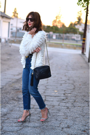 vintage cardigan - Levis jeans - Chanel bag - Moschino belt
