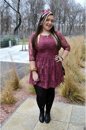 red 280 Urban art ring - black sisters boots - maroon lace Primark dress