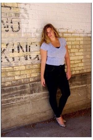 gray American Eagle jeans - light blue t-shirt - black Forever21 heels