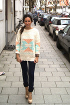 cream Mango jumper - navy BLANCO jeans - aquamarine Bimba&Lola bag - peach heels