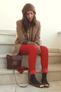 Light-brown-zara-blazer-crimson-pull-bear-bag-red-mango-pants