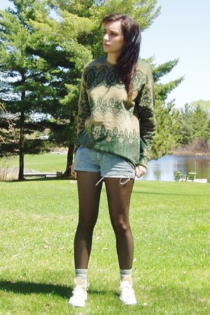 black Urban Outfitters tights - Bullhead shorts