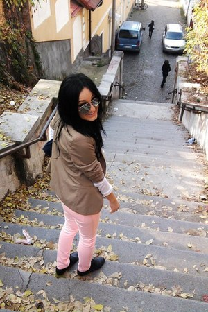 jeans - jacket - sunglasses - flats - blouse