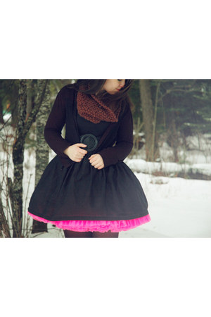 hot pink petticoat thrifted vintage skirt - dark brown Qupid boots