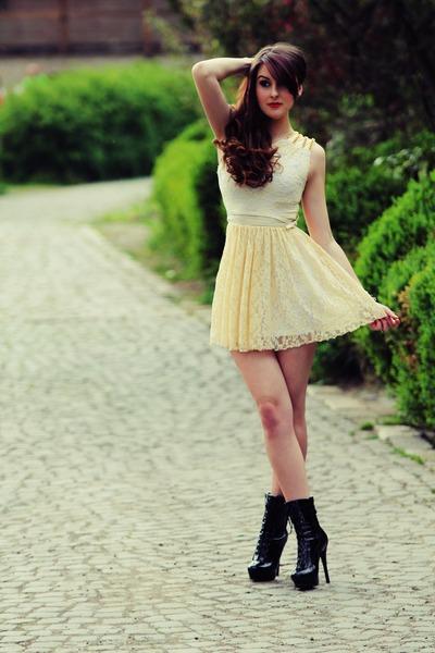 black heels - cream dress