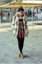beige H&M coat - gray Zara shirt - red H&M skirt - beige Zara shoes - gold les j