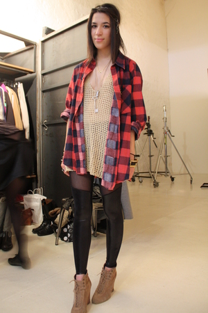 beige  top - black BlackMilk leggings - red Episode shirt - beige Zara shoes - b