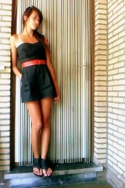 black Zara suit - red Secondhand belt - black New Yorker shoes - brown Bershka s