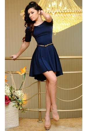 navy dress - mustard belt - eggshell heels