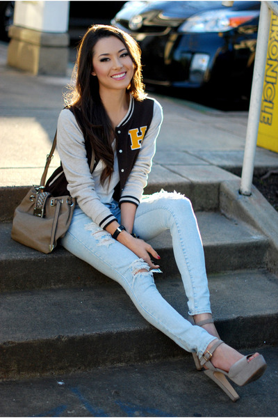 light blue jeans - ivory top