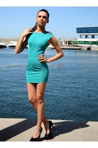 turquoise blue Zonia dress - black heels
