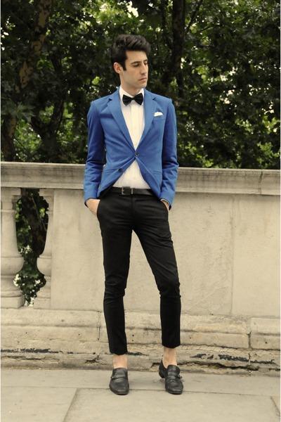 blue blazer - black tie