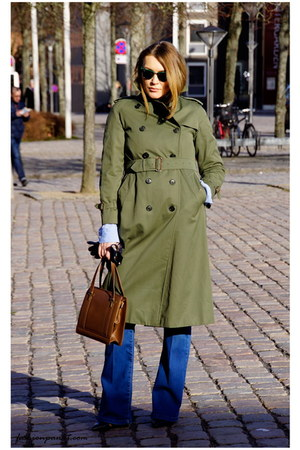army green vintage Burberry coat - navy flared jeans jeans